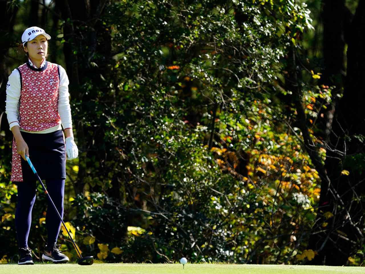 """画像52: 【プレショットルーティン調査】女子プロゴルファー上位32人をチェック! 2タイプに分かれた""""アドレスの入り方"""""""