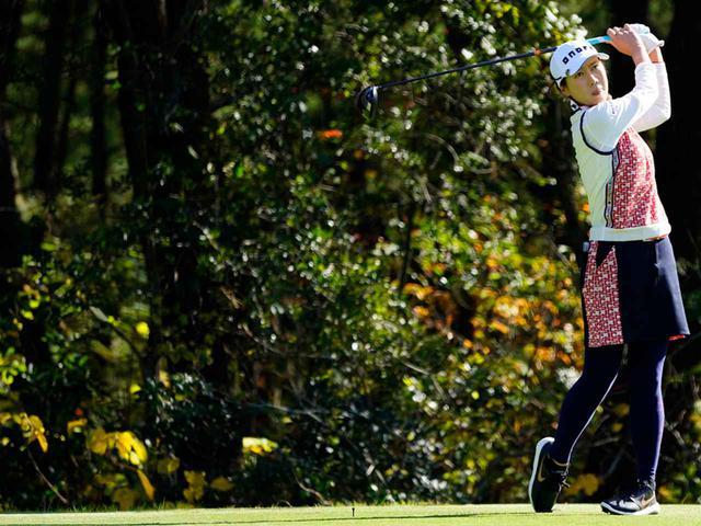"""画像56: 【プレショットルーティン調査】女子プロゴルファー上位32人をチェック! 2タイプに分かれた""""アドレスの入り方"""""""
