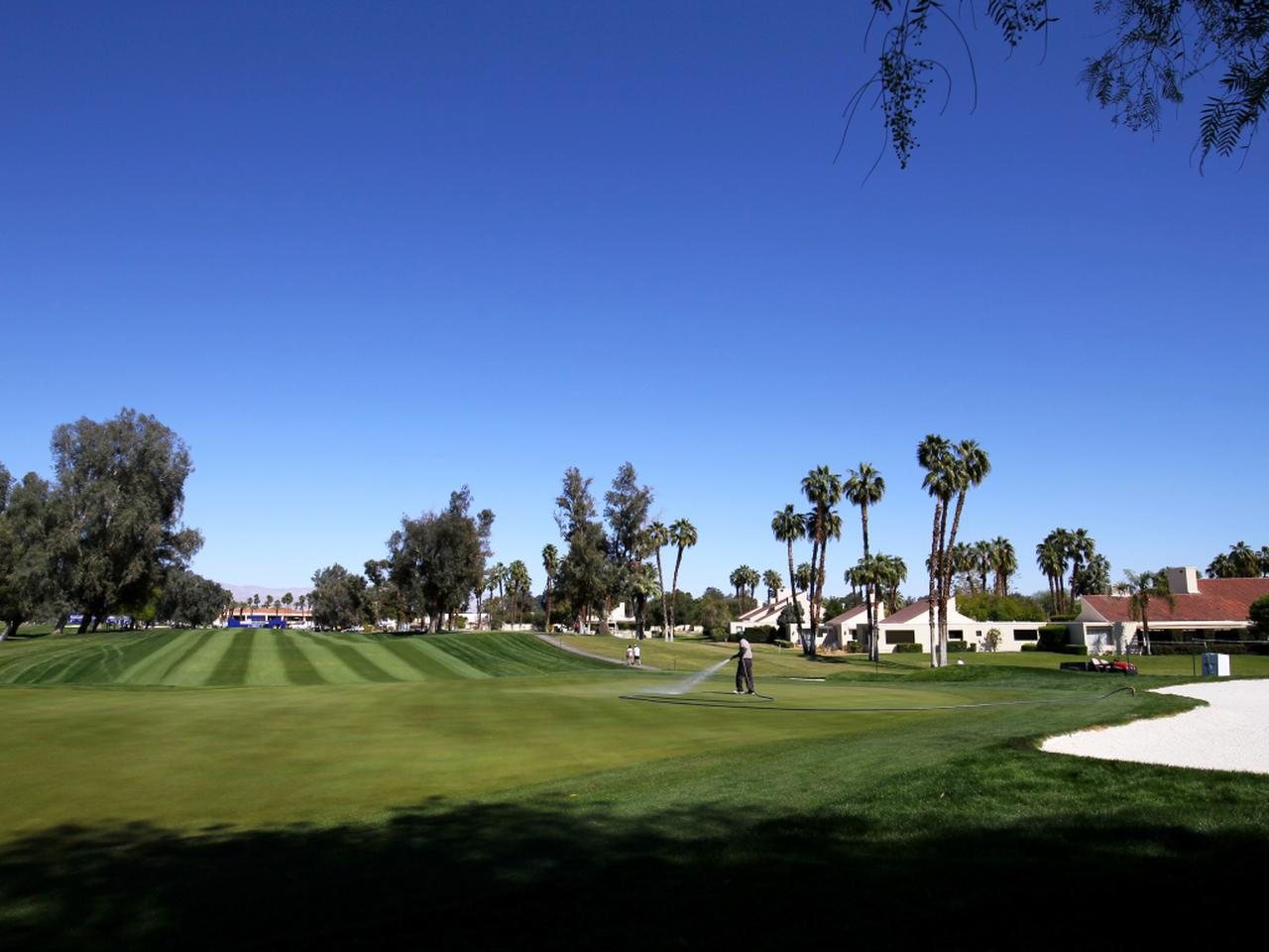 画像: ミュアヘッドの代表作 「ミッションヒルズCC ダイナショアC」LPGAメジャー第1戦ANAインスピレーションの会場。18番グリーンを囲む池「ポピーズポンド」はあまりにも有名
