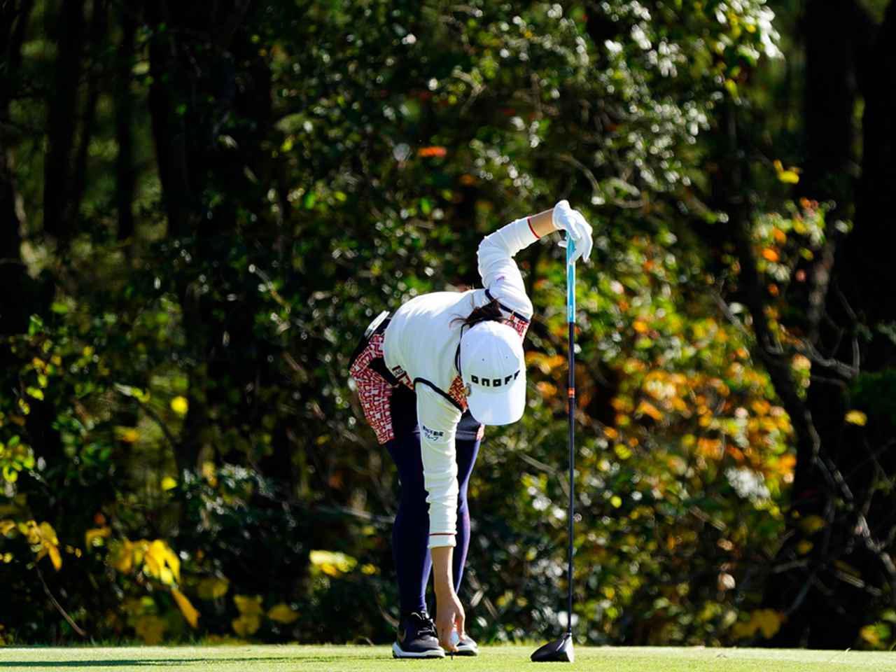 """画像49: 【プレショットルーティン調査】女子プロゴルファー上位32人をチェック! 2タイプに分かれた""""アドレスの入り方"""""""