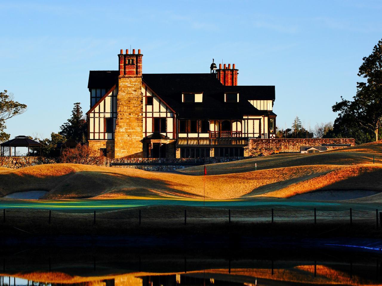 画像: アバイディングクラブのクラブハウス。イギリスからアンティークの建物をそのまま移築している