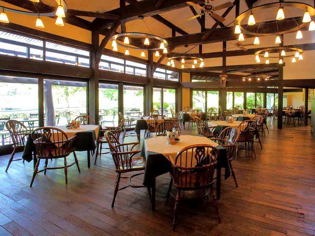 画像: 落ち着いた雰囲気のレストラン。12卓