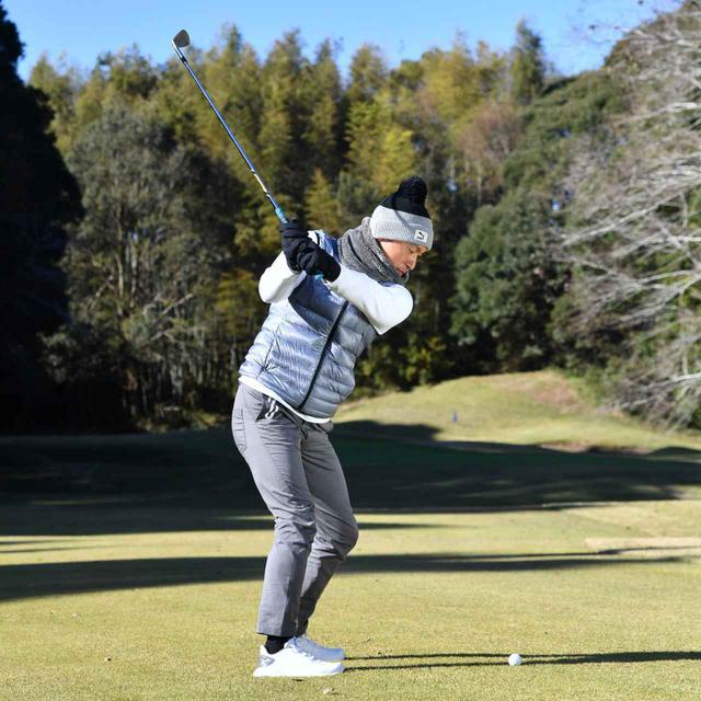 画像2: 【冬ゴルフのスコアメーク】今すぐ試したいテクニック「グリーン周り編」。ベストスコアを冬に出す
