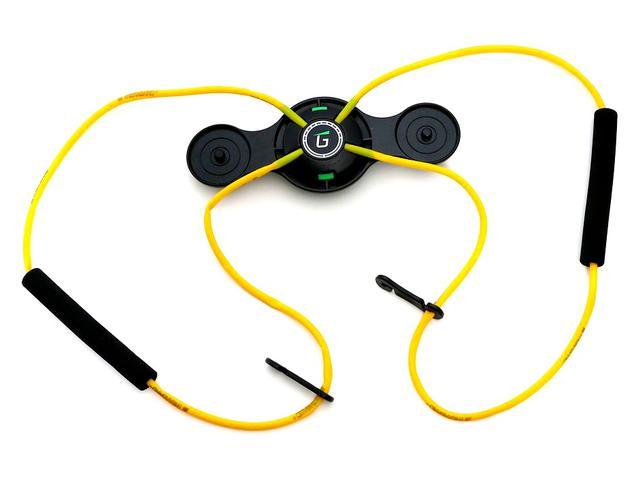 画像: 装着したままスウィングするのに適しているのは、こちらの黄色モデル