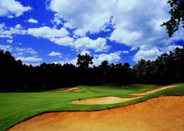 画像: ②真夏のゴルフ場