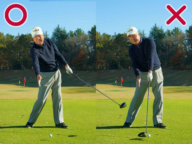 画像: 左手でたたきに行くと左肩が詰まる