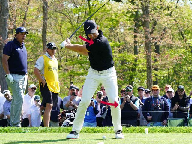 画像4: テークバックで右肩が手よりも先に回る。 肩が90度回った時点で手はまだ低い位置。 トップでは両肩が正面から見える。腰は45度右を向く。 ダウンのスタートで左肩、左ひざが一気に左に回る。 そして、左肩がどいて通り道ができ、反力を使い左ひざが伸びる。 左ひざが伸び切り、右足は流れず粘る