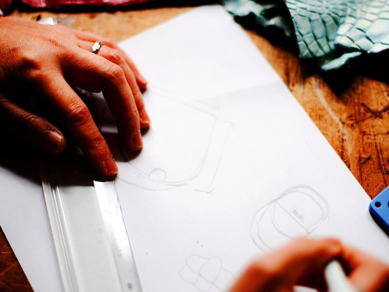 画像2: サクラワクスの工房。レザークラフトの原点だ