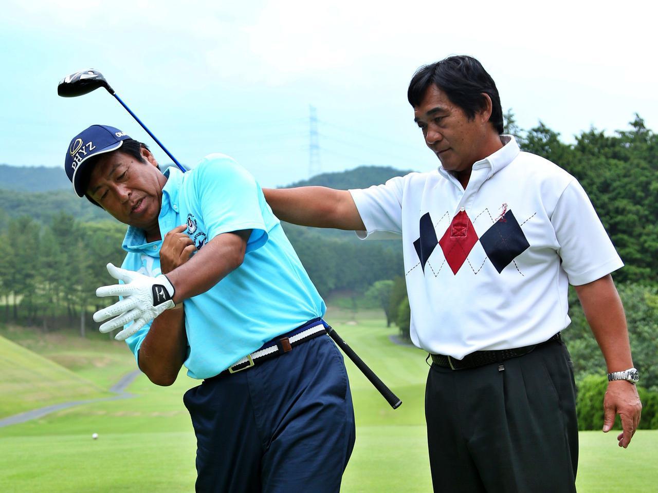 画像: 「ゴルフの理解度が深まれば、自分に合うインストラクターを見つけることもできるはず」(湯原と淵脇コーチ)