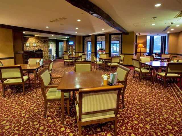 画像: 既存のレストランはロビーの雰囲気と一致している