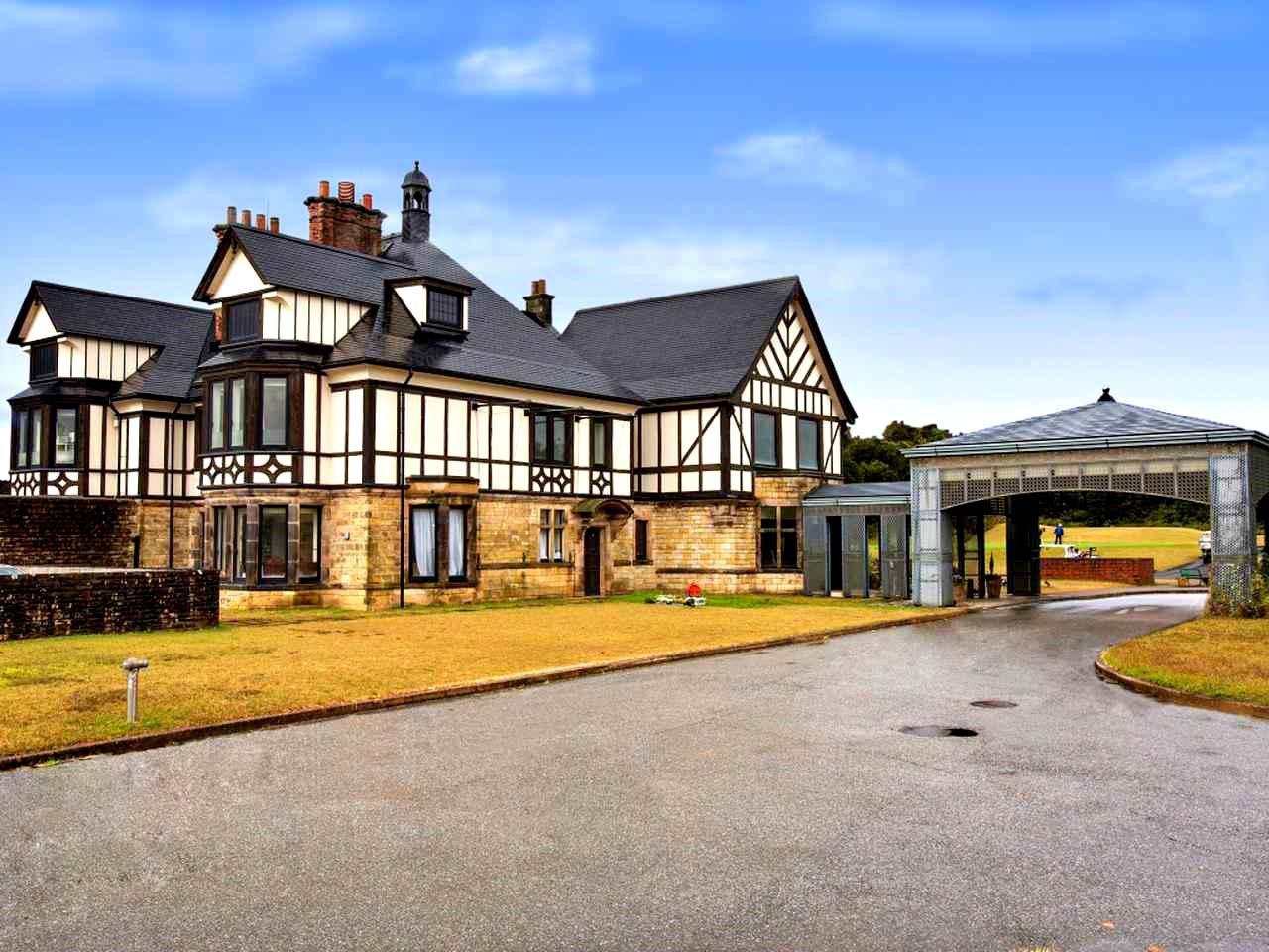 画像: アバイディングクラブ ゴルフソサエティの英国製クラブハウス