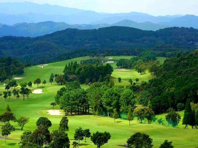 画像: さつまゴルフリゾート。高原コースだから疲れも少ない
