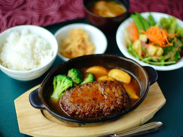 画像2: 地元薩摩の食材が中心、豊富なメニュー