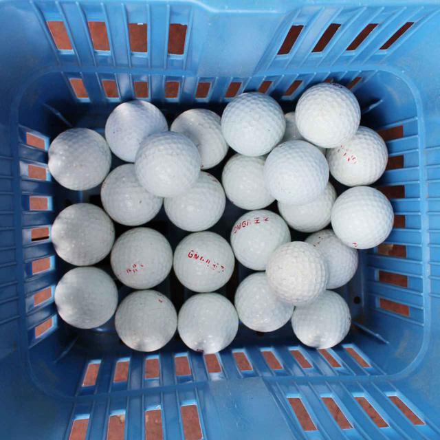 画像: ボールはGMG八王子のロゴが入ったオリジナルのレンジボール