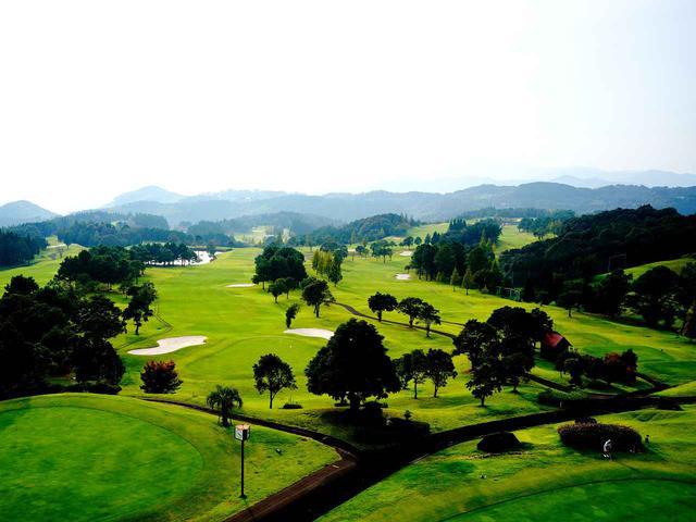 画像2: さつまゴルフリゾートでゴルフ三昧、プレーは乗用カートです。5日目にはコンペを開催
