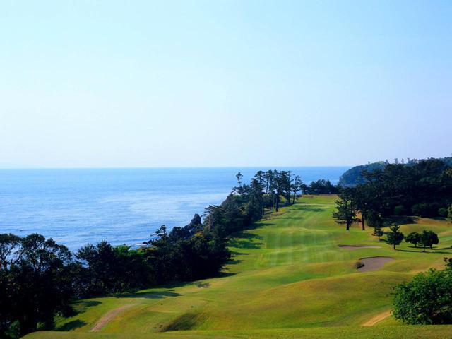 画像: 川奈ホテルゴルフコース 富士コース15番(480Y・P5)