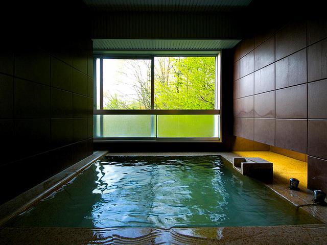 画像: 客室に付く温泉展望露天風呂(一例)