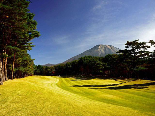画像: 大山ゴルフクラブ 5番(370Y・P4)