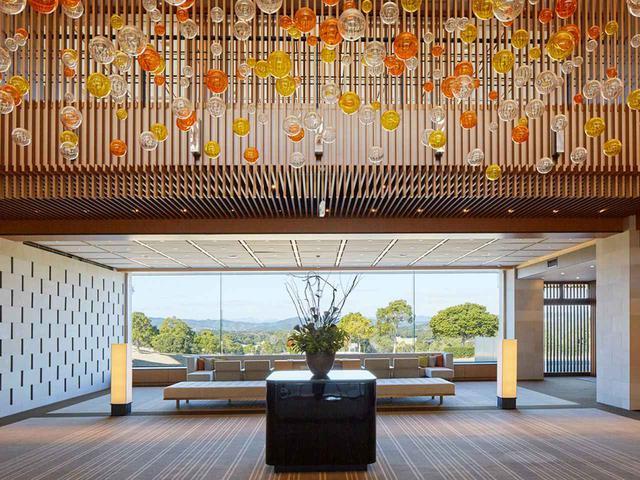 画像: 青と緑のコントラストが美しい至福のゴルフリゾート『NEMU GOLF CLUB』
