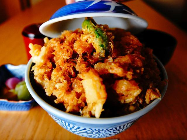 画像: 葵丸進の金龍かき揚天丼