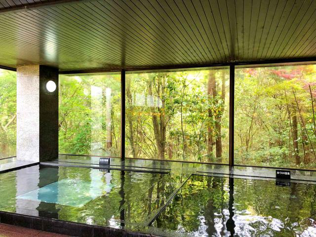 画像: クラブハウス内の大浴場が天然温泉なのも温泉王国・鹿児島ならでは。ゆっくり浸かり、心身ともにリフレッシュしたい。