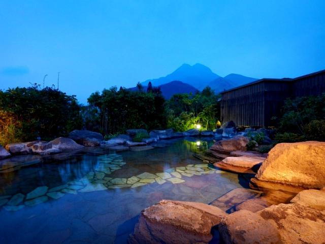 画像: 梅園 露天風呂
