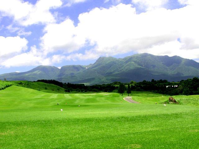 画像: 久住高原ゴルフ倶楽部 6番(383Y・P4)