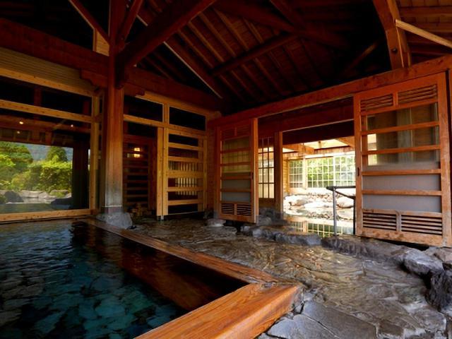 画像: 梅園 檜風呂