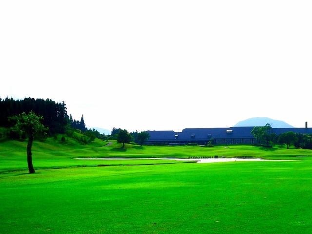 画像: 鹿児島高牧カントリークラブ 18番(471Y・P4)