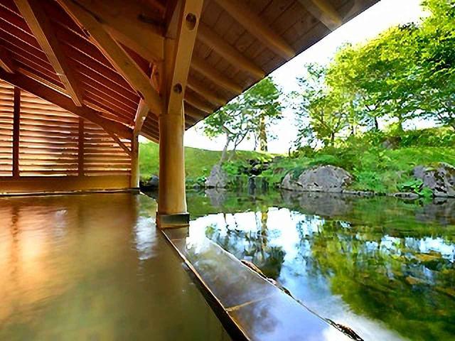 画像: 宿泊するプリンスホテルは名湯「雫石高倉温泉」の湧くホテル