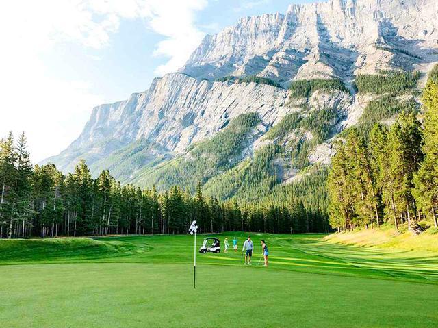 画像1: バンフスプリングスゴルフコース