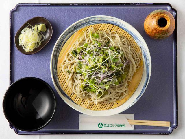画像: 追加300円でそばを新潟県産へぎそばに、追加300円で天ぷら(野菜3点と海老天)、追加400円でミニ丼セットにできる