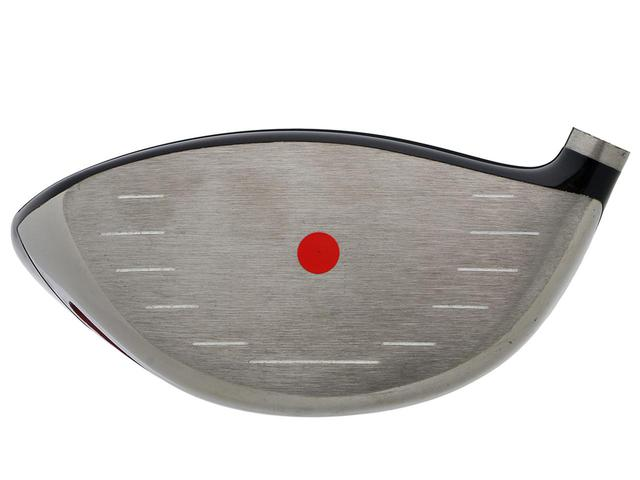 画像: やや高い重心位置で安定したスピン量を確保できる