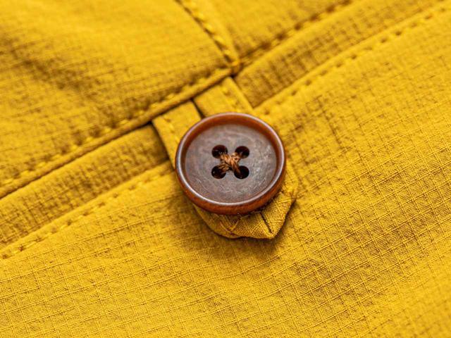 画像: 天然素材で温かみのある高級ナットボタン