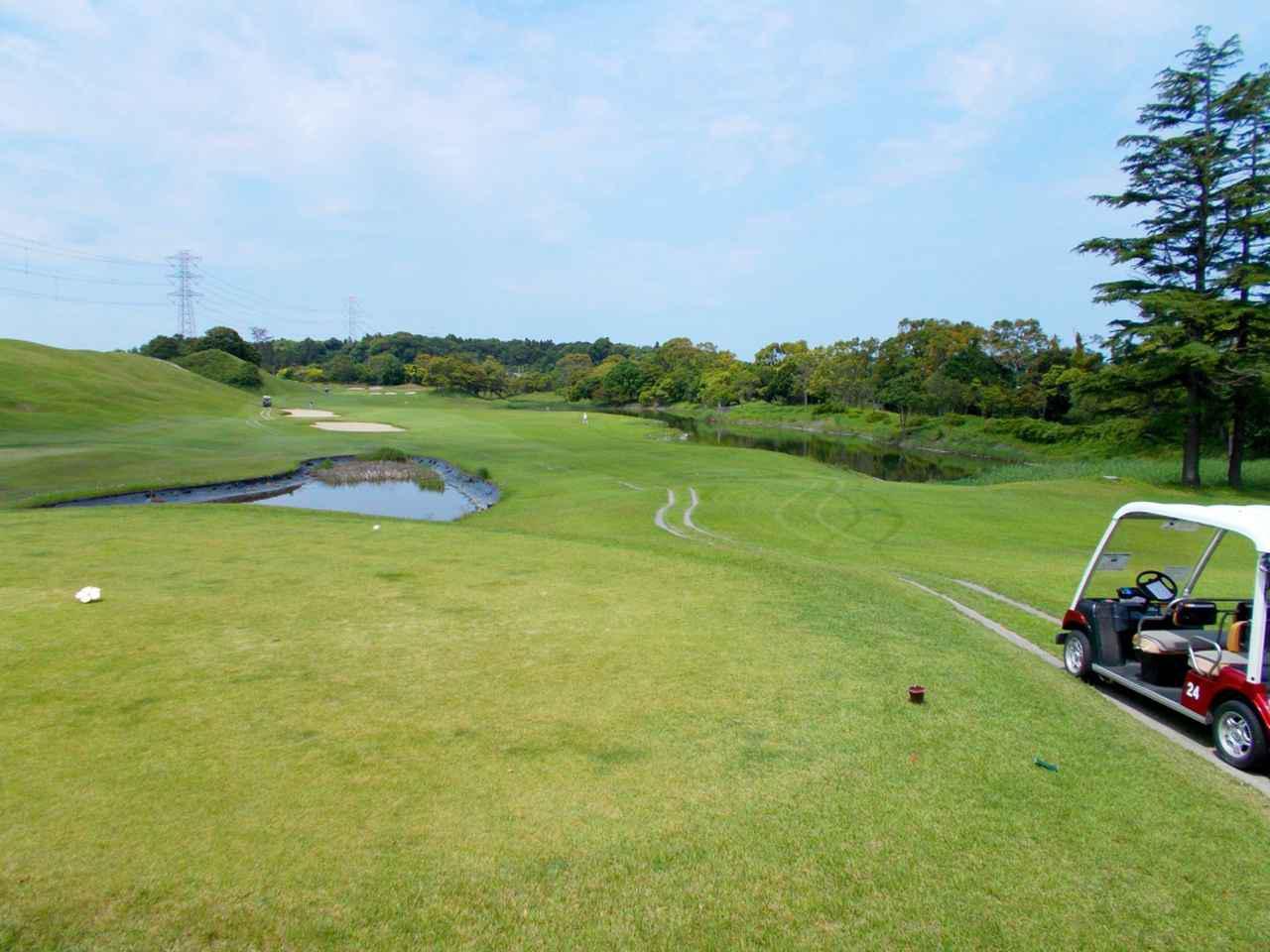 画像: 6番ホール(520ヤード・パー5)グリーンまで右サイドは池が続くHD1の難ホール