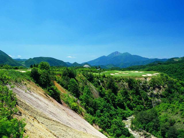 画像: 日本を代表する絶景コースのひとつ「ボナリ高原ゴルフクラブ」