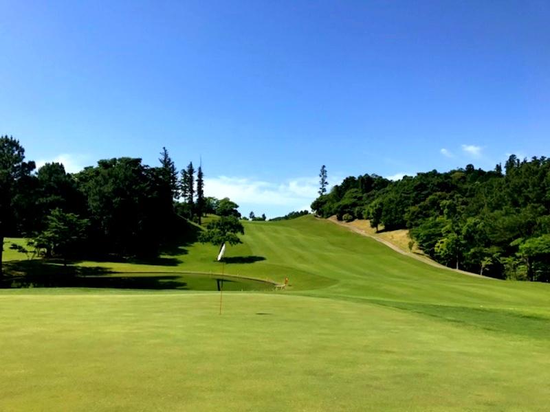 画像: 【千葉・ジャパンPGAゴルフクラブ】日本唯一のPGA冠ゴルフ場は距離感が大事! 風・谷・バンカーで番手選びが面白い - ゴルフへ行こうWEB by ゴルフダイジェスト