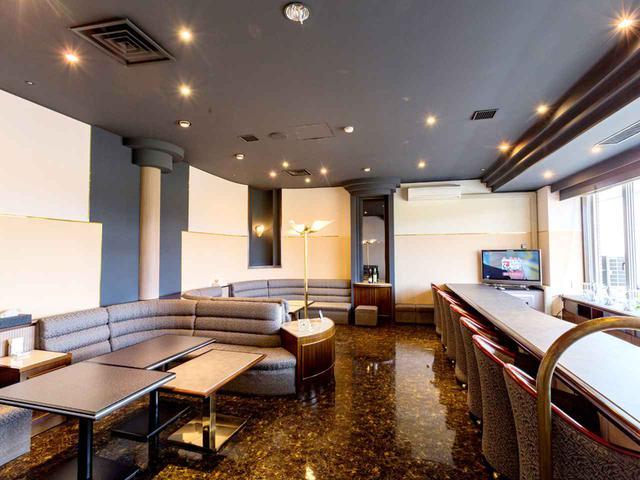 画像: バーを改修したメンバーズラウンジ