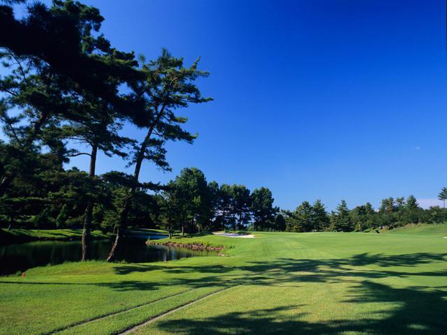 画像: 日本ラインゴルフ倶楽部 西コース12番(西コース:18H・6850Y・P72、東コース:18H・6869Y・P72)