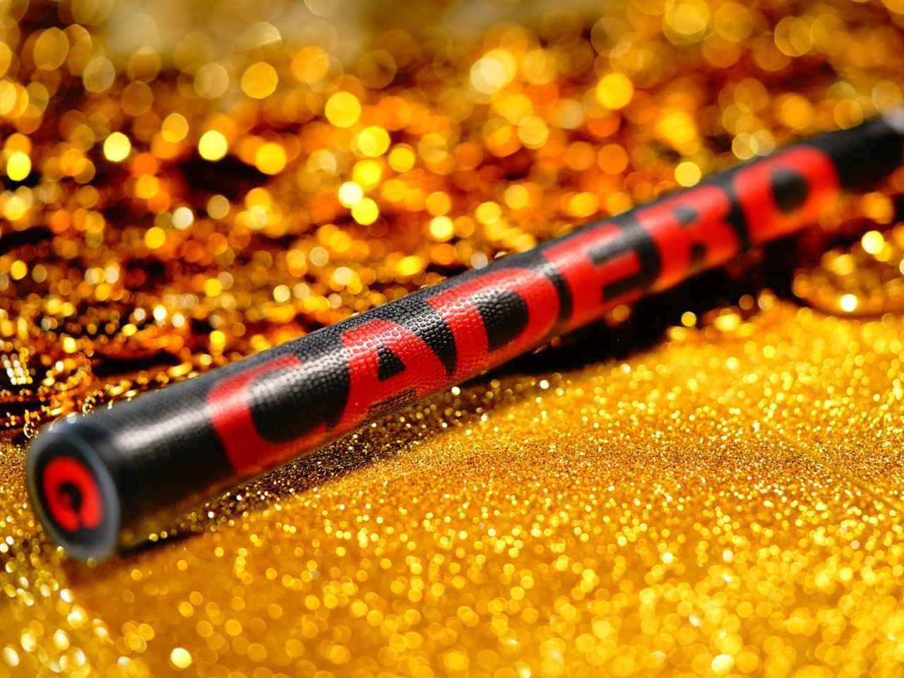 画像: 組み合わせるグリップは「CADERO」の黒赤モデル。ヘッドとシャフトとデザインがマッチ