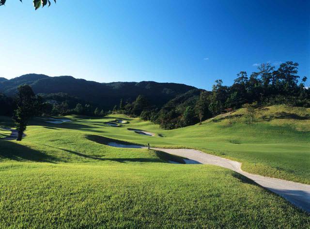 画像: 名匠ロバート・トレント・ジョーンズJrの設計、鬼ノ城ゴルフ倶楽部