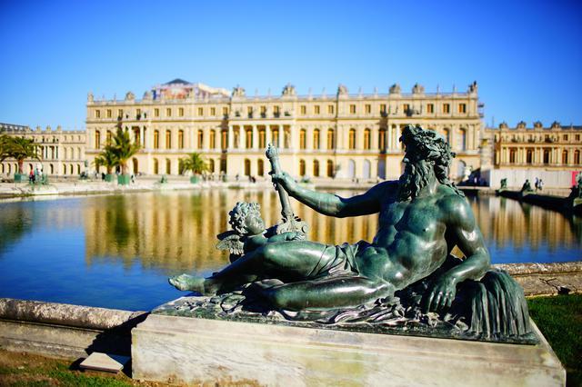 画像: フランス・パリ近郊にある「ヴェルサイユ宮殿」。周辺には名コースが多数点在し、ゴルフ旅にお勧めのディスティネーション