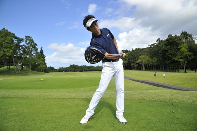 画像: 週刊ゴルフダイジェストの連載「帰ってきた!Z打法」でお馴染みの若林功二プロ