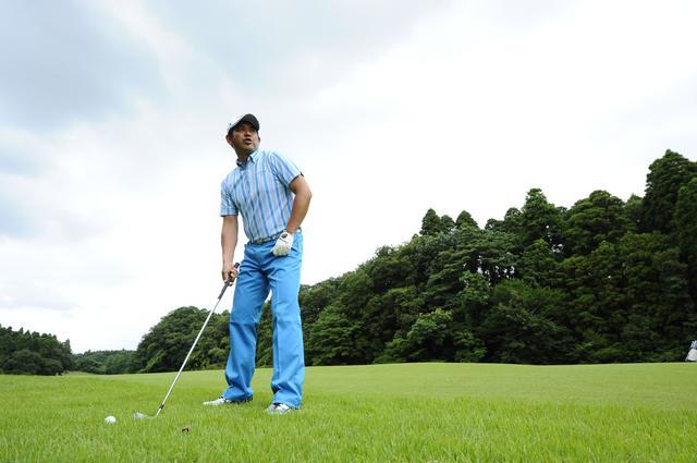 画像: 週刊ゴルフダイジェストの人気漫画連載「新・モダンゴルフ」にも登場する米田貴プロ