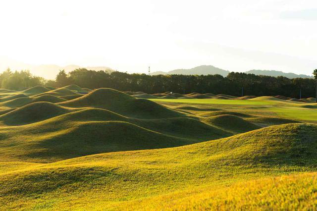画像1: 日本初の本格的リンクスコース「JFE瀬戸内海ゴルフ倶楽部」