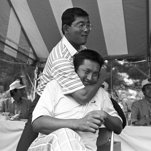 画像: 1954年生まれ、群馬県出身。1975年にプロ入り。4度の賞金王に輝き、永久シード保持者。ツアー通算48勝。日本人選手で唯一、海外4大メジャーの全てでトップ10入りの記録を持つ