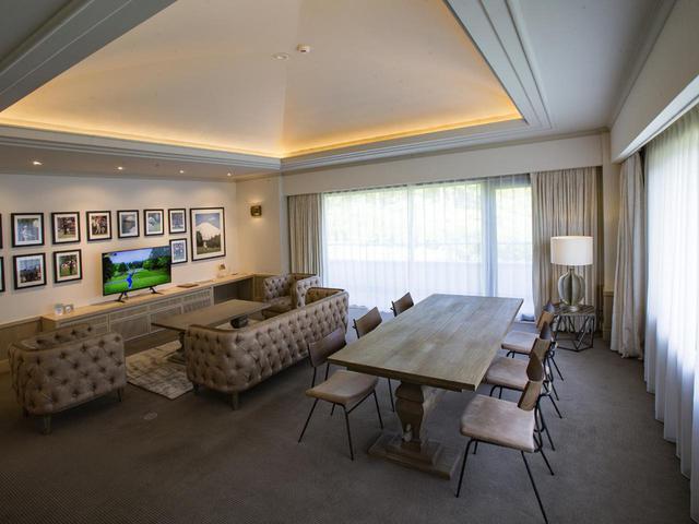 画像: ホテル。特別室のリビング