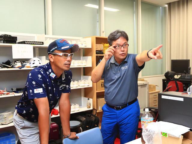 画像: 南出プロのスウィングは、反力打法の理想に近いスウィングだとクォン教授。ただ、さらに飛距離を伸ばす余地があると指摘する