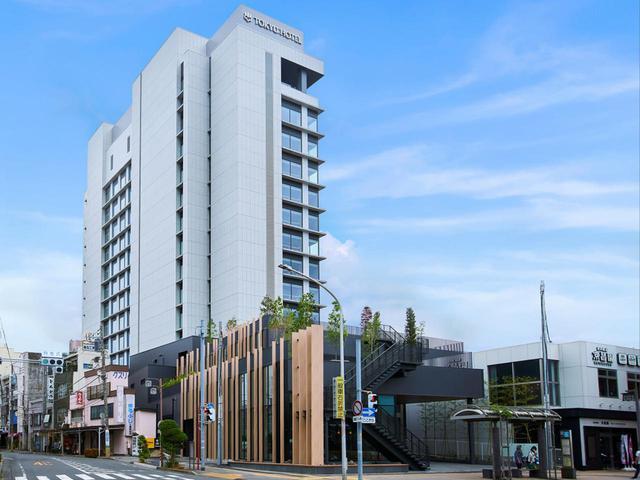 画像1: ご宿泊は6月にオープンしたばかりの 「富士山三島東急ホテル」。 最上階の展望温浴施設「富士の湯」からの眺めは格別