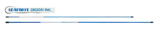画像: 特別色(ブルー)の練習用スティック。アライメントをチェックしたり、ベルトループに通して腰の回転量を確かめたりと使い方はいろいろ